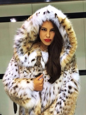 <h5>Dior Furs</h5><p>                                                                                                                                                                                                                                                                                                                                                                                                                                                                                                                                                                                                                                                                                                                                                                                                                                                                                                                                                      </p>